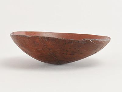 是川遺跡で発掘された縄文時代の木胎漆器